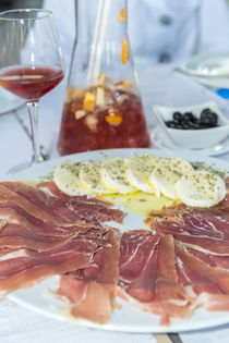 Portugal, Porto, ham and mozzarella cheese appetizer, sangria von Danita Delimont