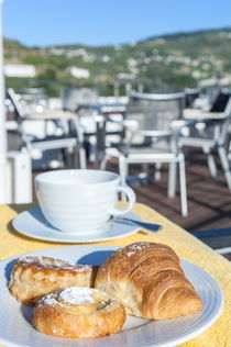 Europe, Portugal, Regua, breakfast on riverboat sundeck von Danita Delimont