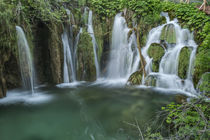 Croatia, Plitvice Lakes National Park, Waterfall von Danita Delimont