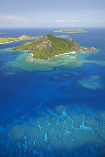 Monu Island, Mamanuca Islands, Fiji, South Pacific, aerial von Danita Delimont