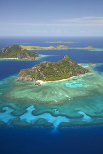 Monuriki Island and coral reef, Mamanuca Islands, Fiji, Sout... by Danita Delimont