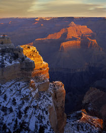 USA, Arizona, Grand Canyon National Park, Winter sunrise fro... von Danita Delimont