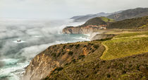 USA, California, Big Sur, Fog approaches Bixby Bridge in the afternoon von Danita Delimont