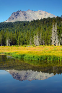 Hat Lake in Lassen Volcanic National Park, California, USA. von Danita Delimont