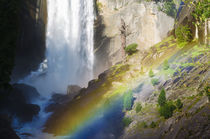 Vernal Falls and hikers on the Mist Trail, California, Usa von Danita Delimont
