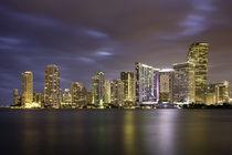 Evening twilight over Miami Skyline, Miami, Florida, USA von Danita Delimont