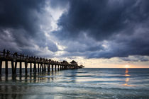 Evening at Naples Pier, Naples, Florida, USA von Danita Delimont