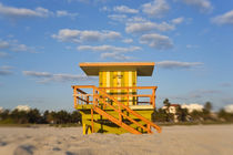 Lifeguard hut, South Beach, Miami, Florida, USA von Danita Delimont