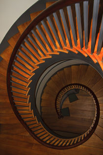 USA, Kentucky, Pleasant Hill, Spiral staircase at the Shaker Village. von Danita Delimont