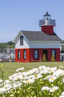 Old Lighthouse, on Lake Kalamazoo, Saugatuck, West Michigan, USA. von Danita Delimont