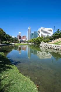 City park lagoon with downtown Omaha, Nebraska, USA von Danita Delimont