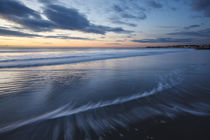 Dawn over the Atlantic Ocean at Wallis Sands State Park in R... von Danita Delimont