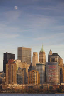 USA, New York, New York City, lower Manhattan skyline from J... von Danita Delimont