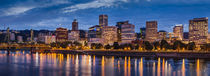 Twilight over the Willamette River and Portland, Oregon, USA von Danita Delimont