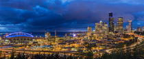 City skyline from Jose Rizal Park in downtown Seattle, Washi... von Danita Delimont