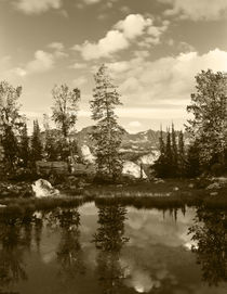USA, Wyoming, Landscape with reflection of lake von Danita Delimont