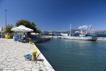 Corfu Fishing Boat  von Rob Hawkins