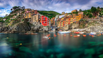 Riomaggiore by Zoltan Duray