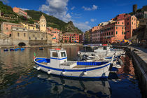 Vernazza by Zoltan Duray
