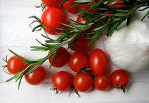 Tomaten, Rosmarin und Knoblauch by Renate Grobelny