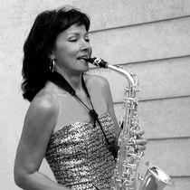 Jolie Nuri - Saxophon by Rainer Theobald