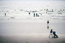 Lahinch - Some Time On The Beach #18 von Theo Broere