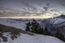 Blaue Stunde in den Schweizer Alpen by Raphael Schaefer