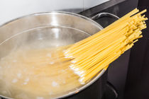 Spaghetti kochen von Mathias Karner
