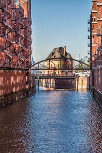 Niederbaumbrücke und Hafenpolizeiwache Hamburg by Britta Hilpert