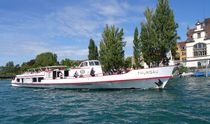 Schiff auf dem Rhein von kattobello