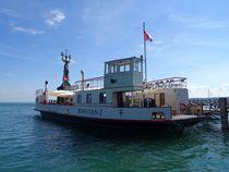 Schiff im Konstanzer Hafen von kattobello