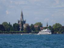 Bodenseeschiff vorm Konstanzer Münster