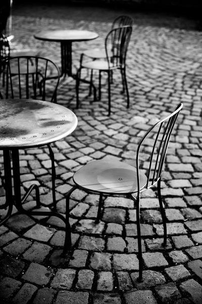 Stuhle-1-von-1