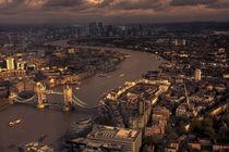 Thames Meander Cityscape  von Rob Hawkins