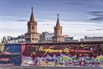 East Side Gallery, Berliner Mauer, Oberbaumbrücke, Friedrichshain, Berlin  by travelstock44