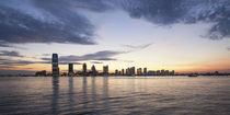 Battery Park, Skyline New Jersey, New York City, USA  von travelstock44