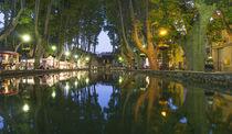 Etang, Färberbecken, Dorfzentrum Cucuron, Provence, Frankreich  von travelstock44