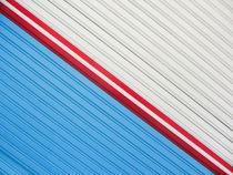 Minimal Lines by Luis Bertola