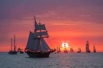Segelschiffe im Sonnenuntergang von Rico Ködder