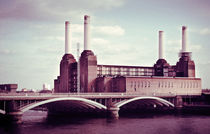 Battersea Park power plant by Miemo Penttinen