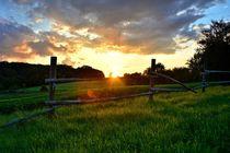 Sonnenuntergang auf dem Land von Claudia Evans