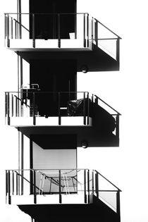 Balkone werfen Schatten  by Bastian  Kienitz