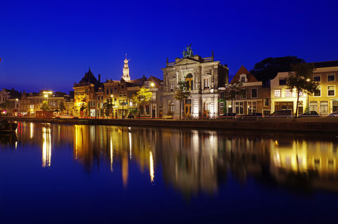 Haarlem-by-night