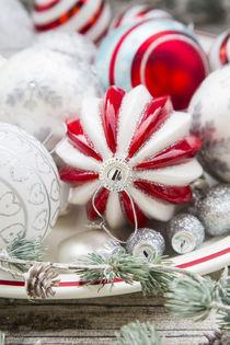 Weihnachten rot-weiß I von Larissa Veronesi