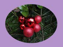 Weihnachtspostkarte Weihnachtskugeln 2 von kattobello