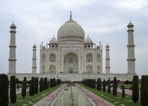 breathtaking Taj Mahal by jasminaltenhofen