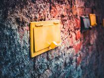 Postfach in der Wand von Alexander Dorn