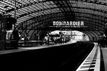 Hauptbahnhof Berlin by Bastian  Kienitz