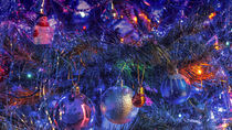Christmas tree, decoration and lights at night von Tomas Gregor