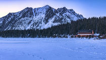 Mountain hotel on Popradske Pleso by Tomas Gregor
